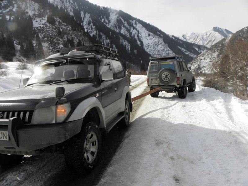 Эвакуатор алматы зимой в горах 6