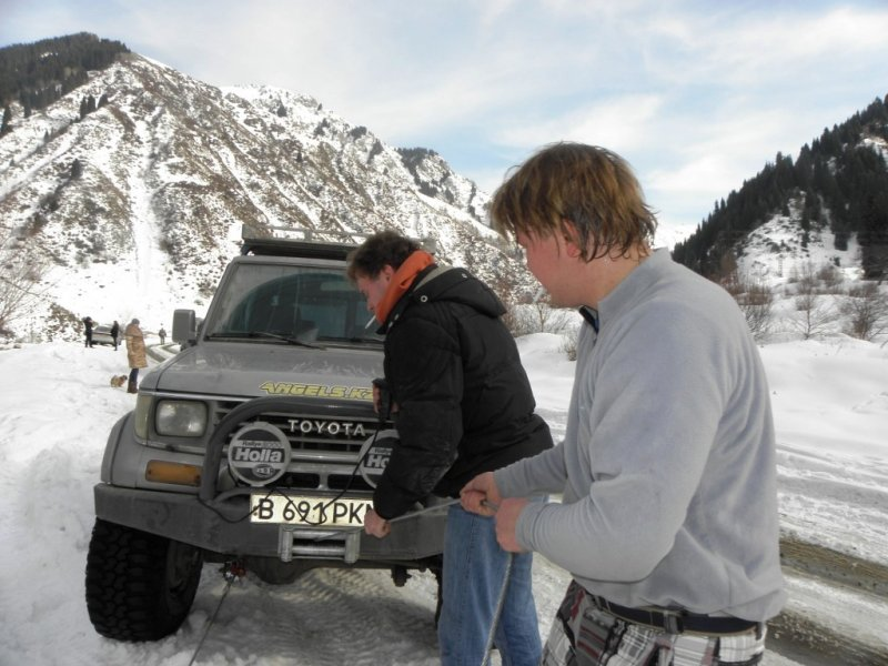 Эвакуатор алматы зимой в горах 10