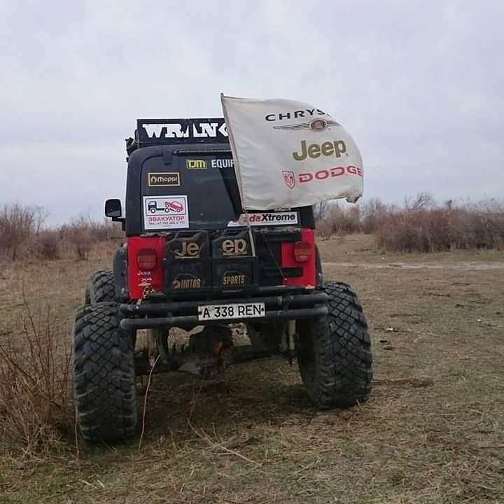 Эвакуатор в Алматы. Вытаскивали с болота.