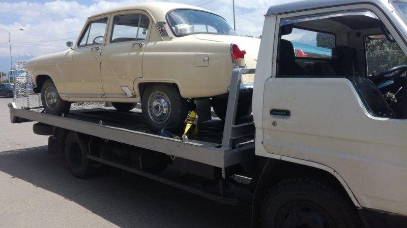 Эвакуатор в Алматы ретро автомобилей